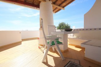 Apartment With Pool in Albufeira