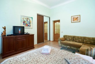 Home-Hotel Bolshaya Zhitomirskaya 4-V