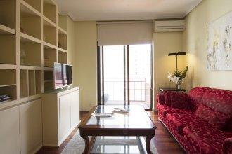 Agradable Apartamento de 2 Habitaciones con A/C, WiFi en Avenida de America