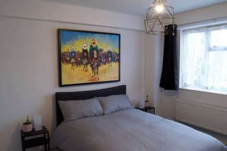 Stylish 1 Bedroom in Shadwell With Balcony