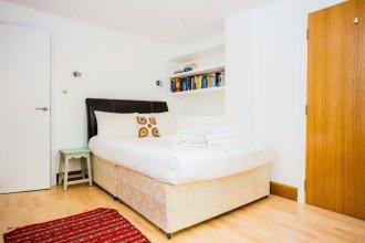 2 Bedroom Apartment with Patio - Sleeps 4
