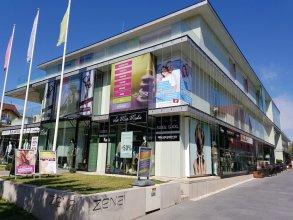 Hotel ZENA beauty & shopping center