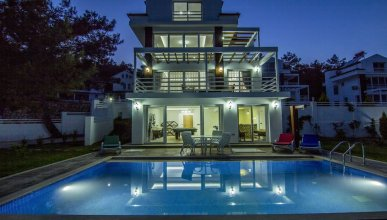 Villa Erebus