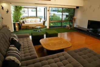 SAB House – Caters to Women (отель для женщин)
