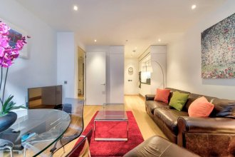 Iconic Quartermile Apartment: Heart of the Old Town