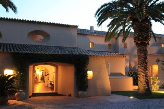 Vila Joya Home, Restaurant & Spa