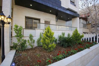 Aqarco Shmaisani Apartment