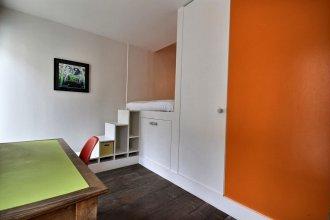 502254 Spacious Duplex Apartment For 12 People Near Les Halles