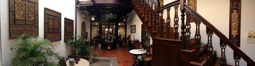 M.E.n.U Cafe & Lodge