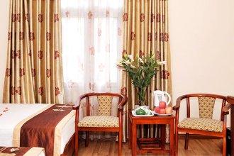 The World Inn Hotel & Travel