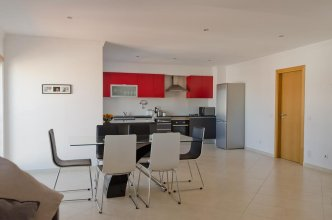 Modern 2 Bed Apartment 5km Carvoeiro