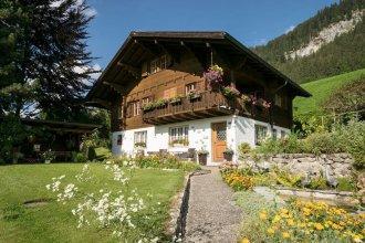 Gstaad - Amazing Lake Chalet