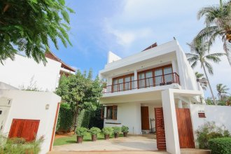 Pranaluxe Pool Villa Holiday Home