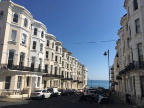 1 Bedroom Regency Flat Near Brighton Beach