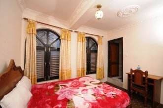 Spacious Room for 3 Guests - Views of Kathmandu Valley