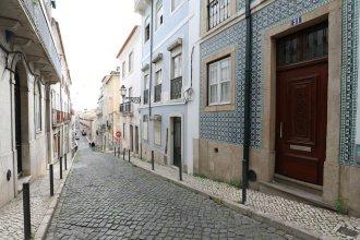 Rustic Flat at Lisbon's Heart