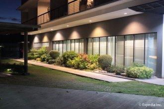 Rivermount Hotel and Resort