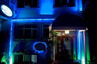 Blue Tuana Hotel