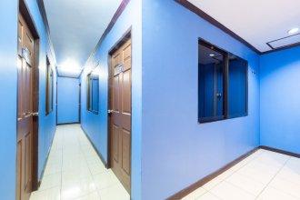 OYO 75327 Diyana Residence