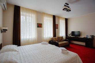Отель «12»