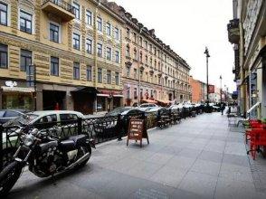 Apartment On Rubinshteyna Street