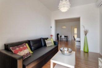 Modern 2 Bedroom Seaview Apartment