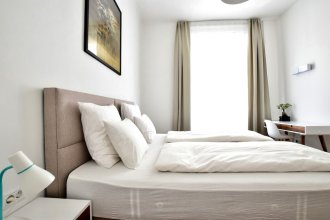 Luxury Apartment by Hi5 - Zichy Suites