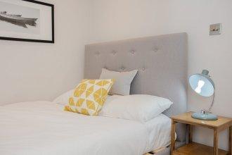 Luxury 3 Bedroom Home by South Kensington