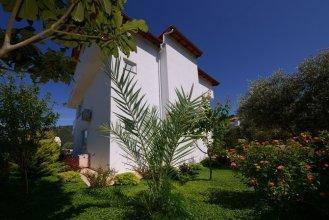 Villa Mercan 1 by Akdenizvillam