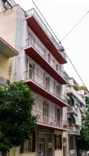 Charming Hostel Close To Piraeus Port 4 Bedroom Hotel Room