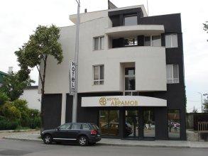 Отель Аврамов