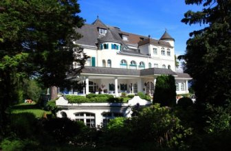 Schloss Igls Apartment