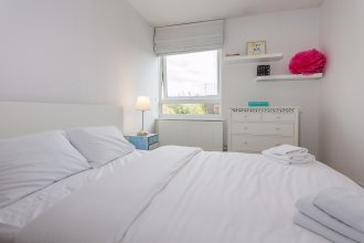 Light and Spacious 3 Bed Next to Victoria Park