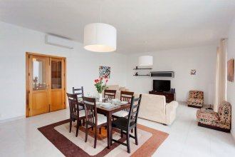 Seafront Apartment in Sliema wt Breathtaking Views