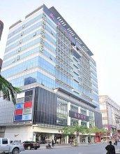 Home Inn Shenzhen Shuanglong Metro Station