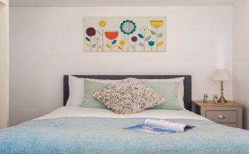 Platinum Apartment in Camden 9946