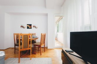 Jana Pawla Apartment For 4 (B27)