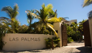 Las Palmas Resort & Beach Club