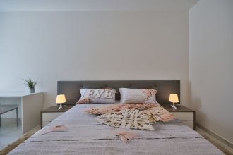 First Class Apartments Calleja by G&G