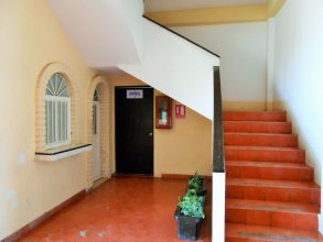 Hotel Las Jacarandas