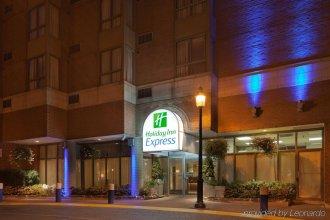 Holiday Inn Express Toronto - Downtown