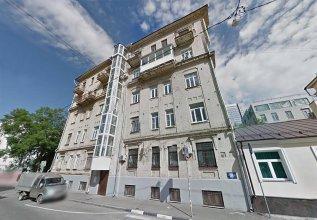 Makarov Hostel