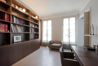 Class and Elegance: Parisian Apartment