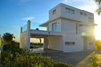 Sky White Pearl Villa