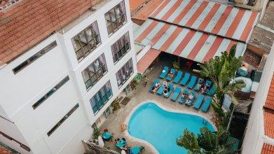 Bed Station Hostel & Pool  Bar Hoi An