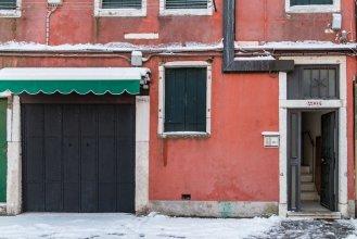 Venice Canal View Boutique Apartment