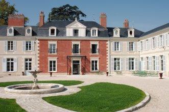 Hotel The Originals Domaine des Thômeaux (ex Relais du Silence)