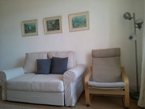 Spacious 2 Bedroom Holyrood Flat With Great Views