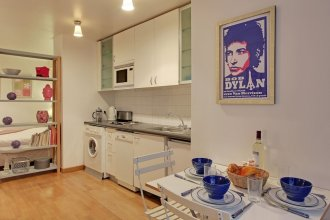S09278 Studio With Patio For 3 People Grand Boulevards