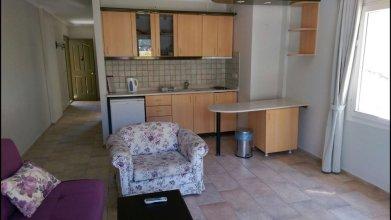 Es Apartments